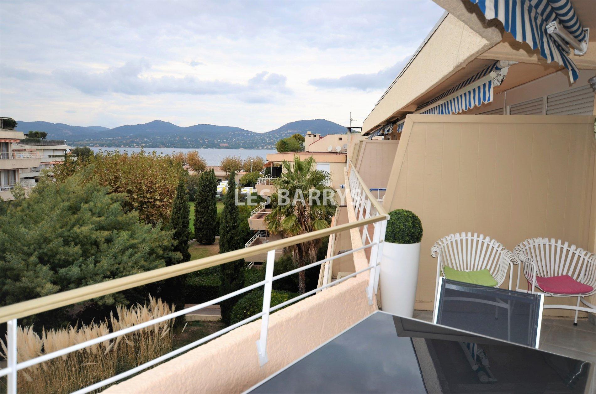 Super vente Saint-Tropez, à vendre appartement toit terrasse vue mer et  EP97