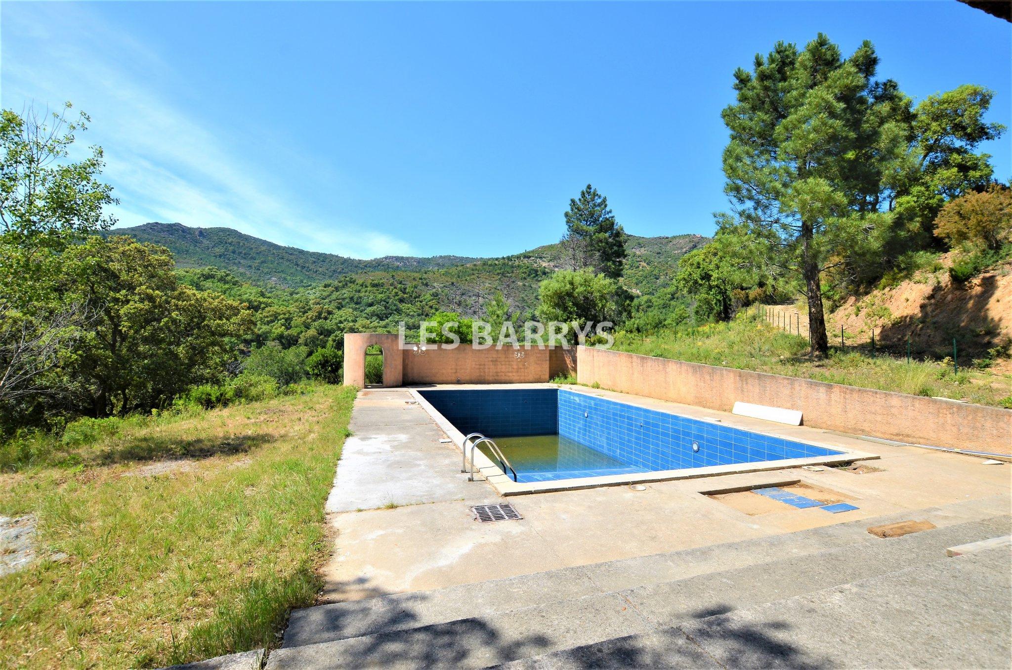 Golf von Saint-Tropez Grundstück von 3 Hektar zu verkaufen.